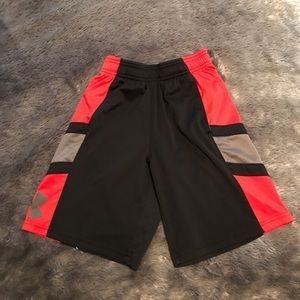 Youth basketball shorts with pockets